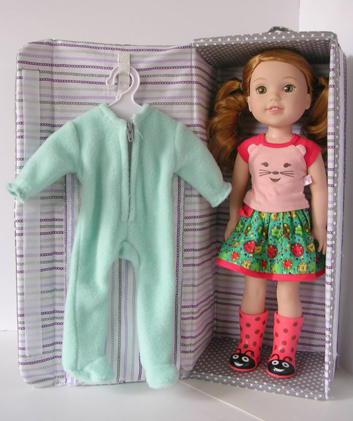 Doll carrier pattern tested by Lesley Trantham